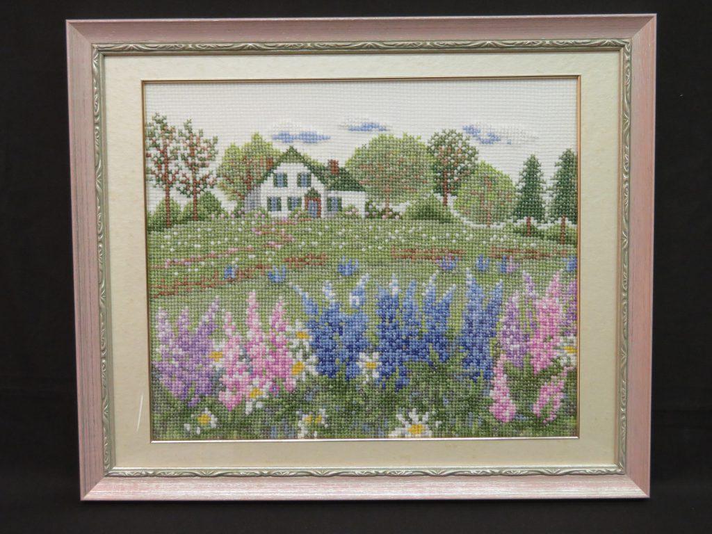 ルピナスの花咲くアンネの家