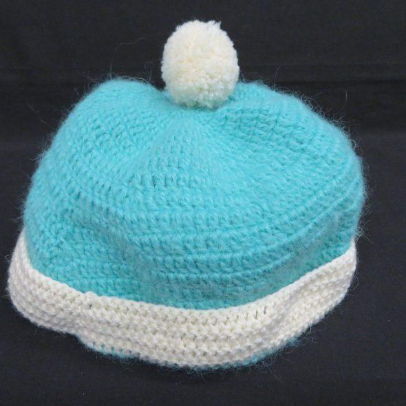 手編みの毛糸の帽子